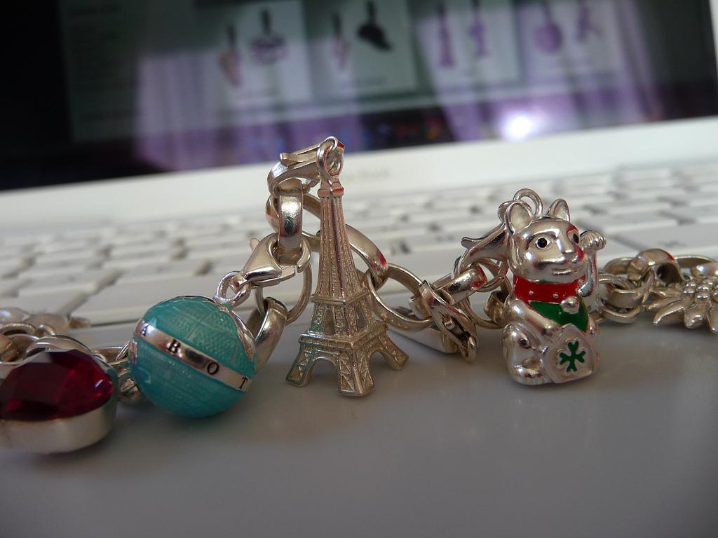 4 Essential Women's Jewellery Brands - Is It Vivid